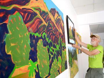 Exhibit remembers Port artist