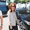 Julianne Moore babysits for staff-Image1