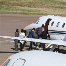 Zayn Malikand Perrie Edwards jet off on holiday-Image1