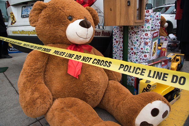 Police Toys For Tots 2017 : Salvation army toys for tots drop off wow