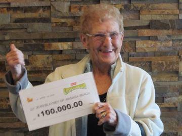 Wasaga woman wins $100,000 on Instant Crossword
