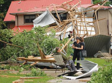 Storm blows barn into house in Innisfil