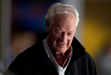 Hockey community pulling for Howe to recover-Image1