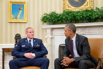 Air Force: French train hero stabbed in California-Image1