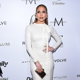 Jennifer Lopez in the studio with Drake-Image1