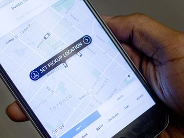 Barrie reviewing taxi bylaws for Uber regulation