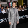 Ansel Elgort lost virginity to Ne-Yo music-Image1
