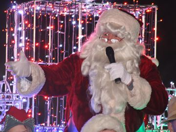 Christmas kicks off in Collingwood with Santa Claus Parade