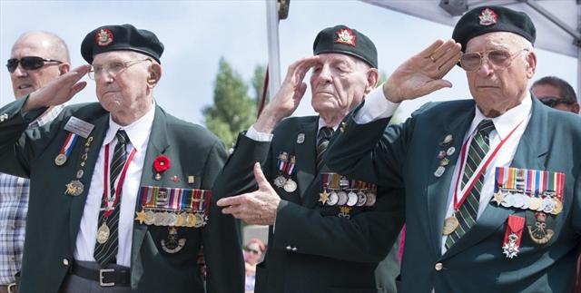 brothers in death veteran flown to hamilton to bury dieppe comrade. Black Bedroom Furniture Sets. Home Design Ideas