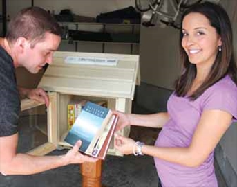 Little free libraries springing up around Ottawa– Image 1