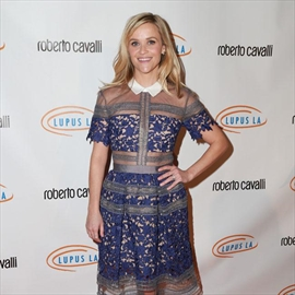 Reese Witherspoon: Hollywood is centuries behind on gender equality-Image1