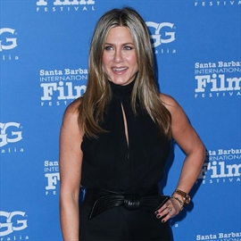 Jennifer Aniston stole money from her mother as a kid-Image1