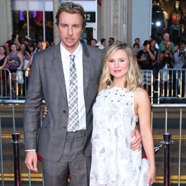 Kristen Bell gives birth to a baby girl-Image1