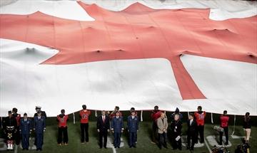Harper helps Redblacks fans remember victims-Image1