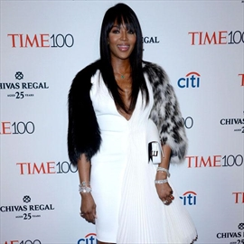 Naomi Campbell doesn't like being labeled a cougar-Image1
