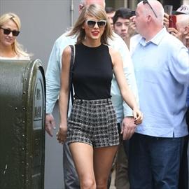 Calvin Harris treats Taylor Swift to gluten-free pizza-Image1