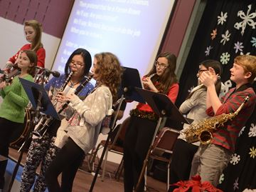 Oakville's Glenburnie School's Grade 8 students put on Christmas sing-along concert
