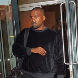 Kanye West 'jealous' of Kourtney Kardashian's baby-Image1
