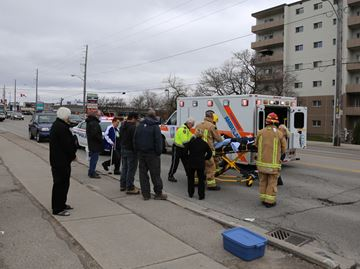 Oshawa boy struck by car near Queen Elizabeth Public School