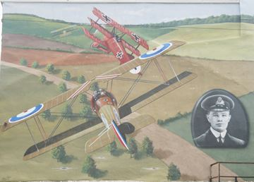 Paying tribute to flying ace