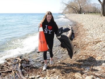 Earth Week Clean Up volunteers recognized for removing 4,600 kilograms of garbage from Oakville outdoors