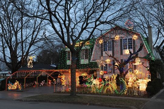 Christmas Lights Upset Neighbours Insidehalton