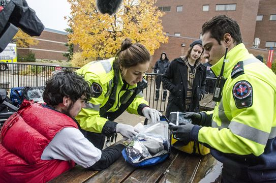 how to become a paramedic in toronto