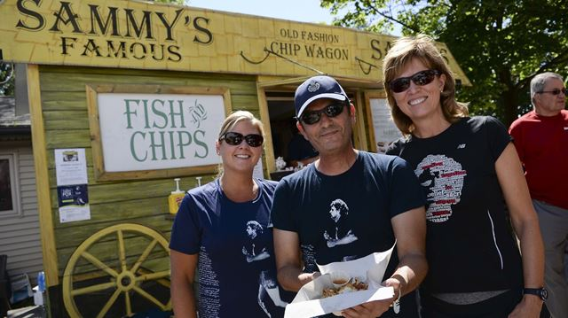 Retracing Terry Fox's run through Oakville with lunch fundraiser