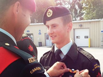 Port Perry cadet receives parachute wings