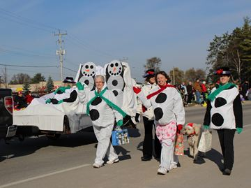 Santa Claus carved out some time in his busy schedule to stop by Angus this weekend for the community's annual parade.