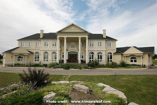 luxury home market in ontario healthy and active  agents