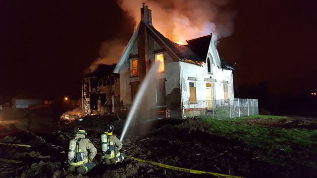 Vacant Milton farmhouse destroyed in overnight fire