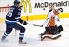 Andersen grabs ball as Ducks' No. 1 goalie-Image1