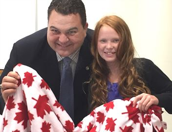 MP Dean Del Mastro and blanket maker Faith Dickinson