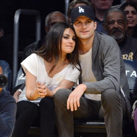 Ashton Kutcher and Mila Kunis' garden wedding -Image1