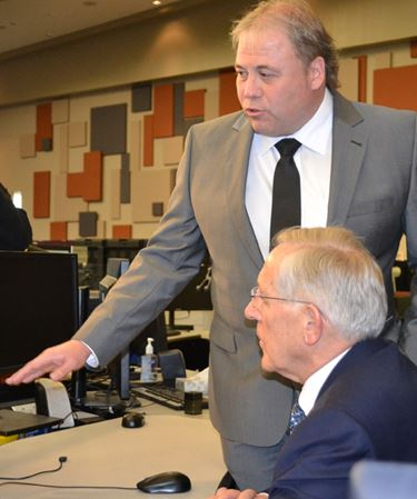 Minister tours Barrie grid facility