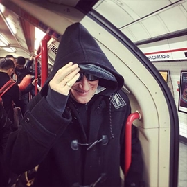 Sir Rod Stewart travels on the tube-Image1