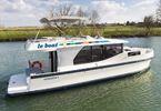 Self-skipped rental boats