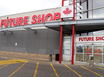 Second major retailer shuts down in Cambridge