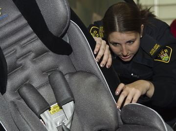 Halton police holding spot check car seat clinic in Oakville Saturday