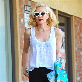 Gwen Stefani's dad granted restraining order-Image1