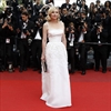 Kirsten Dunst has set a 'time frame' for wedding -Image1