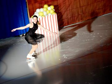 Renfrew Skating show