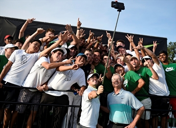Leave your selfie sticks at home, say Wimbledon organizers-Image1