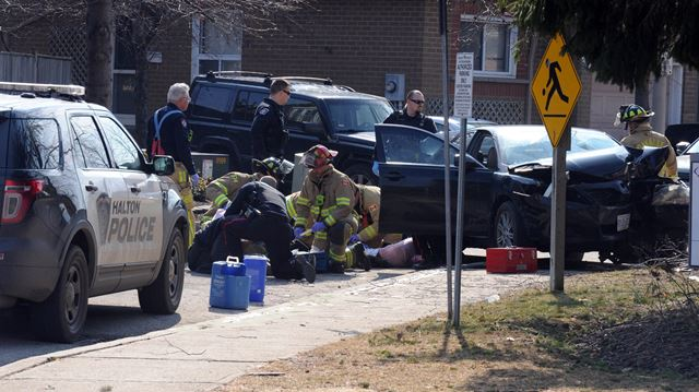 Emergency services respond to accident on Gable Drive in Oakville
