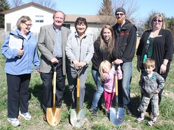 Habitat for Humanity breaks ground on new duplex in Collingwood