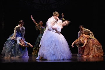 Cinderella musical on tour stars a new mom-Image1