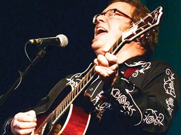 Orillia's Mariposa 'tops the list' for Maple Blues award winner Rick Fines