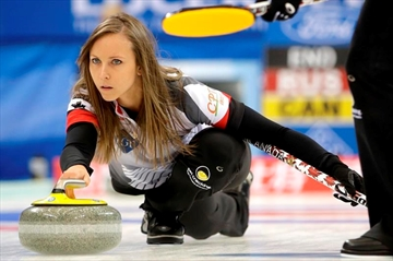 Homan advances to world curling final-Image1