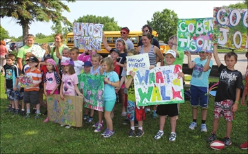 Positive attitude powers hikers' 305 km trek to inspire kids physical – Image 1